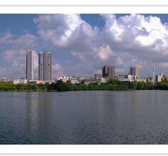 荆州的 蓝天白云多了